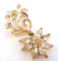 Vintage Corocraft Rhinestone Set Flower Dropper Brooch.